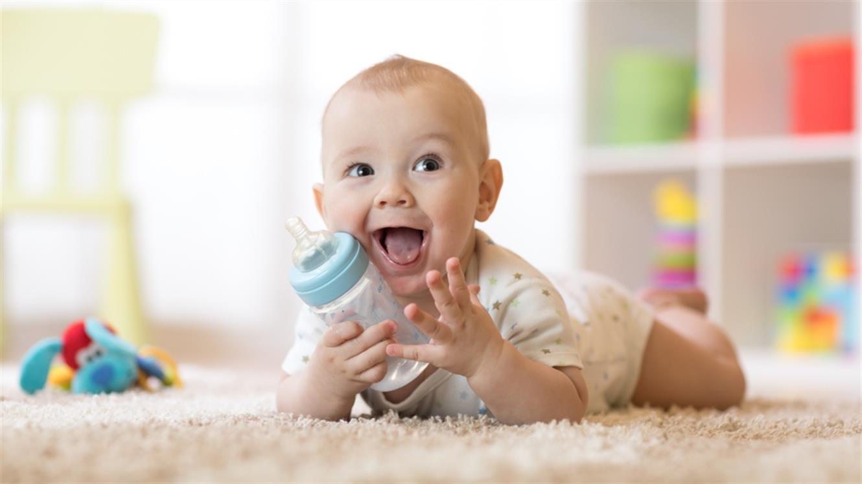 dm predstavlja: Prenovljeni Baby Box