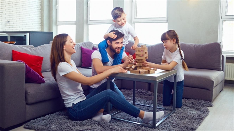 Družinska zabava ob družabnih igrah