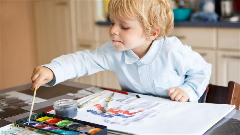 #igrajmosedoma - brezplačen nabor aktivnosti za malčke