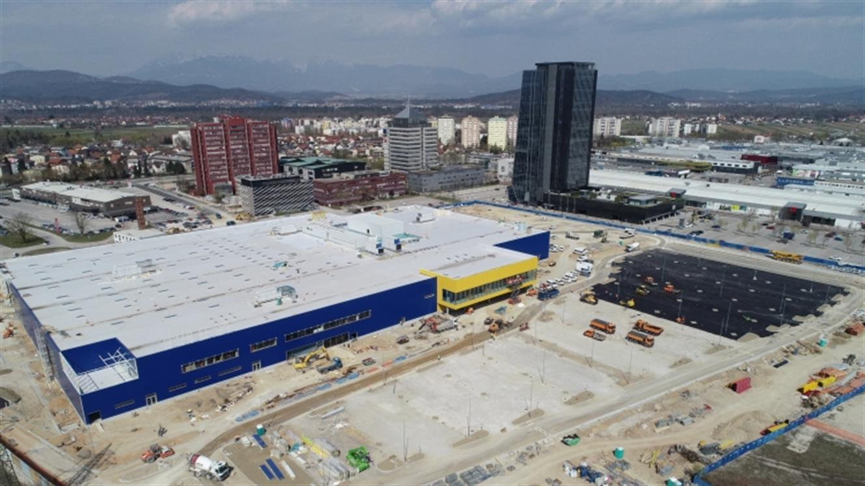 IKEA že pokrita s streho