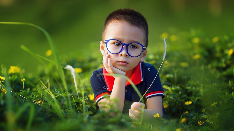 Ali vaš malček potrebuje očala?