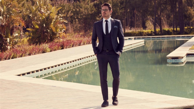 Pestra izbira elegantnih moških oblek v Katja Pro