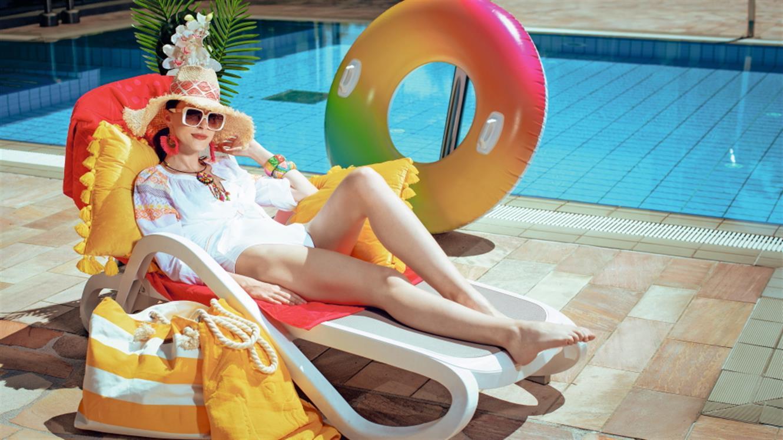 Poletni trendi: Vse za modno barvito poletje!
