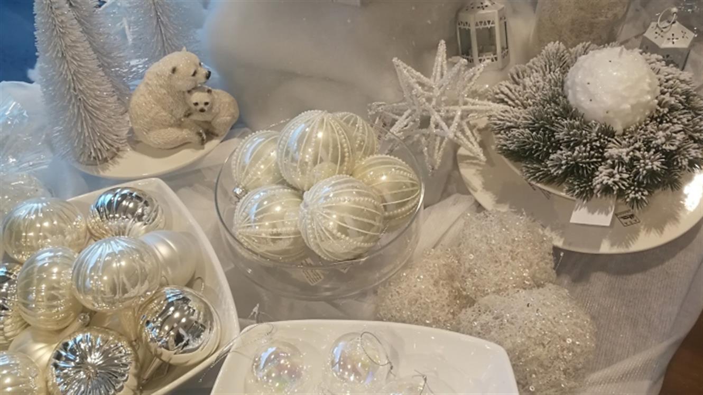 Praznični dekor in izbrana darila za vaše najdražje