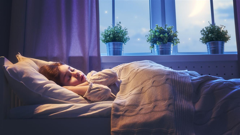 Spalna rutina pri otrocih: 4 pogoste napake in rešitve zanje