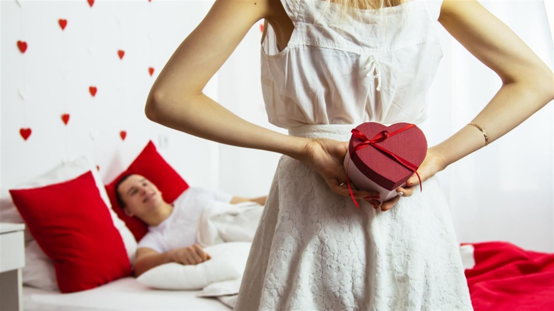Valentinovo: presenetite ga z izvirnim darilom