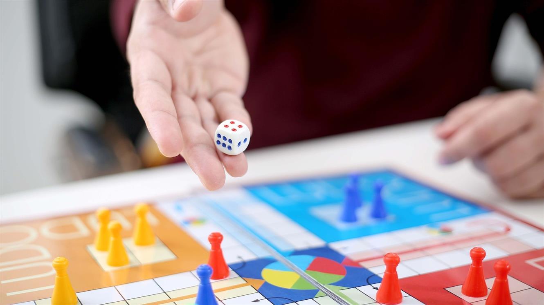 Zabavajmo se skupaj ob družabnih igrah