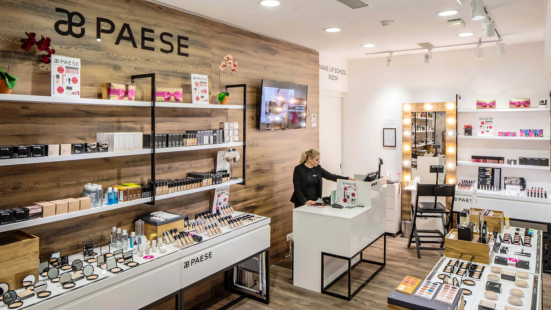 Paese cosmetics shop & make up school room